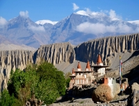Upper Mustang Tour with Guide in Himalaya